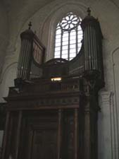 Large cathedral pipe organ
